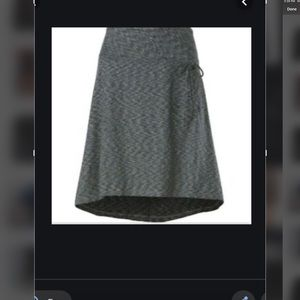 NORTH FACE SKIRT